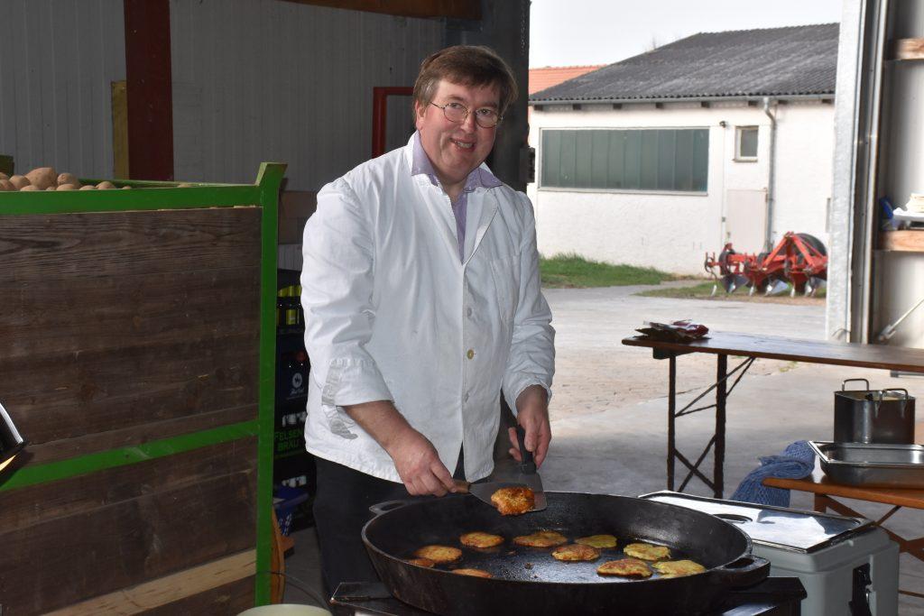 Frische Kartoffelpuffer vom Gasthof Winkler